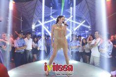 """Bảo Anh được hơn 1.000 khán giả Quảng Bình tổ chức sinh nhật sớm - http://www.iviteen.com/bao-anh-duoc-hon-1-000-khan-gia-quang-binh-to-chuc-sinh-nhat-som/  Bảo Anh có đêm diễn đáng nhớ cùng hơn 1.000 khán giả tại thành phố Đồng Hới – Quảng Bình.    Đêm 2/9, Bảo Anh đã có một đêm diễn đầy """"lửa"""" tại một sân khấu trung tâm tỉnh Quảng Bình với hơn 1.000 khán giả có mặt. C"""