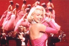 """Marilyn Monroe in """"Gentlemen Prefer Blondes' 1953 Marilyn Monroe Diamonds, Marilyn Monroe Photos, Marylin Monroe, Classic Hollywood, Old Hollywood, Familia Kennedy, Gentlemen Prefer Blondes, Norma Jeane, Diamond Are A Girls Best Friend"""