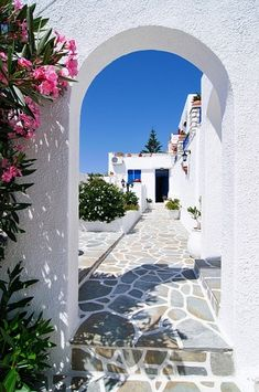 One of the things I love about the Greece Islands is the Cycladic architecture. What A Wonderful World, Beautiful World, Beautiful Homes, Beautiful Places, Mykonos, Santorini, Dream Vacations, Vacation Spots, The Places Youll Go