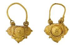 A pair of Fatimid basket-style gold earrings, Egypt or Syria, 10th-12th century