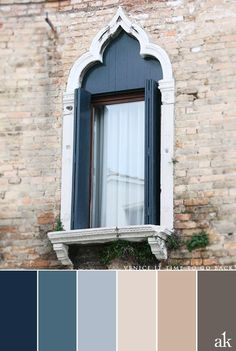 a Venice-inspired color palette // blue, stone, light tan, warm gray // #Venice #Italy