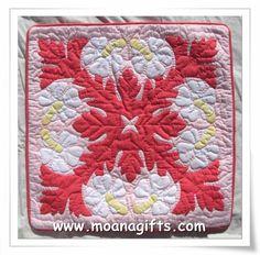 hawaiian quilt pillowcase- hibiscus