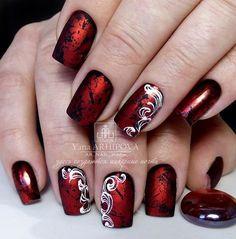 Beautiful nail art on red nails. Fancy Nails, Red Nails, Hair And Nails, Red Nail Designs, Simple Nail Designs, Holiday Nails, Christmas Nails, Gorgeous Nails, Pretty Nails