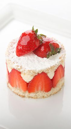 For a fantastic strawberry dessert recipe, one needn't look further than this creation from Marcello Tully. This recipe includes a black pepper sponge cake and a tangy lemon curd.