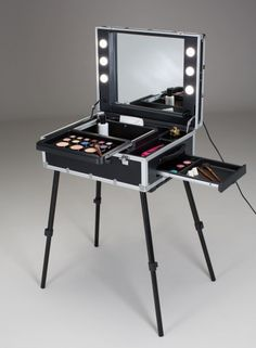 VT103 SPACIOUS MAKE UP STATION WITH LATERAL SLIDING DRAWER. Portable Makeup & Hairstyling Stations. Cantoni for beauty professionals and passionates who love to do makeup and hair-styling everywhere. Lighted make up station. Very capacoius with several working spaces. The dedicated I-LIGHT system for make up (Cantoni patent)   emits a wrapping light with no shadows on the face,  doesn't heat, doesn't burn. #makeupstation #slidingdrawel #spaciousmakeupstation