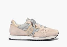madewell & saucony® dxn trainer sneakers in blush.