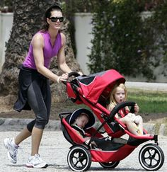 Best Double Stroller — Phil and Ted& Sports Buggy Best Double Stroller, Double Strollers, Baby Strollers, Running With Stroller, Jogging Stroller, Phil And Teds, Brooke Shields, Celebrity Moms, 2nd Baby