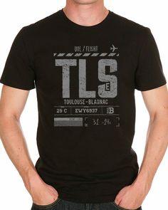 """Embarquement immédiat avec ce modèle ! T-shirt """"Boarding Pass"""" spécial Aéroport Toulouse Blagnac. Décollage garanti ! 100% coton, col rond et manches courtes."""