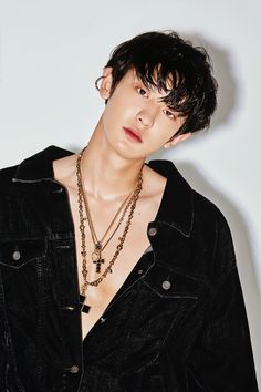 EXO released gorgeous photos of Baekhyun and Chanyeol for 'Love Shot.''Love Shot' is the SM Entetainment boy group's repackage album. Baekhyun Chanyeol, Kpop Exo, Exo Ot12, Chanbaek, Baekyeol, Chansoo, Shinee, Luhan And Kris, Rapper