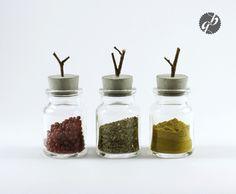 "Glas mit Betondeckel ""Würzig Grau"" // glass for spices by Glänzend Grau via DaWanda.com"