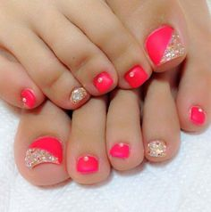 Coral Pink – Gold Glitter – Rhinestones – Toe Nail Design