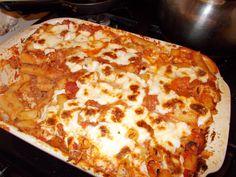 bamulatos-husos-rakott-teszta-sajttal Hungarian Recipes, Lasagna, Casserole, Food And Drink, Pizza, Ethnic Recipes, Recipes, Casseroles, Lasagne