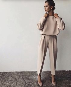 (notitle) - OUTFITS AND STYLES - Outfits 2019 Outfits casual Outfits for moms Outfits for school Outfits for teen girls Outfits for work Outfits with hats Outfits women Fashion Mode, Work Fashion, Trendy Fashion, Womens Fashion, Fashion Trends, Workwear Fashion, Fashion Ideas, Fashion Spring, White Fashion