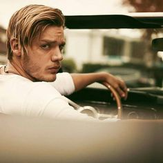 I'll go on a ride with you anytime 😃 Dominic Sherwood, Shadowhunters Tv Show, Shadowhunters The Mortal Instruments, Clary E Jace, Jace Lightwood, The Ancient Magus Bride, Cassandra Clare Books, Clace, The Dark Artifices