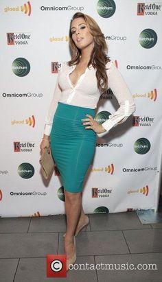 7574ff17b77f Carmen Carrera Carmen Carrera, Blouse Outfit, Cute Girls, Cool Girl,  Elegant Woman