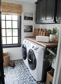 Adorable 50 Cool Small Laundry Room Design Ideas https://rusticroom.co/1317/50-cool-small-laundry-room-design-ideas