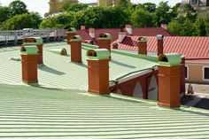 A roof is a significant investment. Have you ever decided to replace a roof before selling? http://blog.gaf.com/should-homeowners-fix-their-roof-before-selling-their-home/
