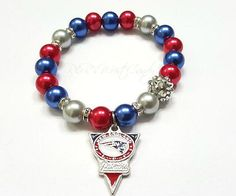 Women's Team Bracelets! Football Spirit Bracelets. All Bracelets are made with glass beads, nickel free beads, rondelles and feature NFL logo and football charms. Show your team spirit this upcoming football season with R&R's Wrist Candy♥. | eBay!