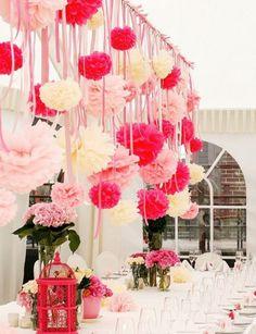 De l'inspiration déco avec de jolis pompons en papier de soie ♥ Pretty inspiration for decorating with paper pompoms ♥