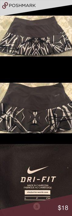 Nike tennis skirt Small EUC tennis skirt Nike Other