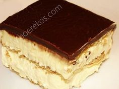 So verleidelik ! 2 pakkies tennisbeskuitjies 3 kop yskoue volroom melk 2 pakkies MOIR'S instant pudding – vanilla geur 375 ml room . Sjokolade Stroop: ½ kop kakao poeier 1 kop suiker ¼ …