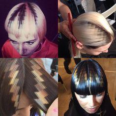 Algumas variações de pixels.  Acho que eles devem usar estêncil sobre posto...o segredo só é revelado para quem faz o curso...o qual não deve ser barato. Já tentei encontrar uma foto ou vídeo de como faz, mas não achei nada !!!  É bonitinho, né? By @xpresioncreativos.  #hair #hairstylist #pixel #xpresionpixel #colorhair Hair Stenciling, Hair Color 2018, Blonde Babies, Multicolored Hair, Hair Color Techniques, Spring Hairstyles, Haircut And Color, Hair Shows, Creative Hairstyles