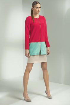 Veste longue, bicolore, rouge et opaline : très originale