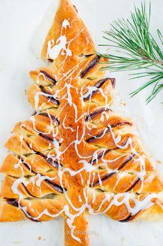 Christmas yeast tree
