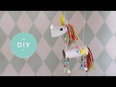 Een magisch mooie eenhoorn om te knutselen! En als je deze unicorn eenmaal af hebt, kun je er nog mee spelen ook. Want hij draaft écht! Diy For Kids, Crafts For Kids, The Muppet Show, Art Activities For Kids, Origami, Christmas Crafts, Projects To Try, Fabric, Baby