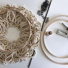 Pottery Barn Hacks, Wood Bead Chandelier, Chandelier Lighting, I Love Lamp, Diy Interior, Wooden Diy, Bead Art, Wooden Beads, Diy Furniture