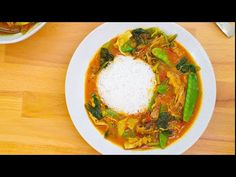 A fragrant tomato and coconut vegan curry with banana blossom and greens Recipes With Banana Peppers, Stuffed Banana Peppers, Tomato Curry, Spinach Curry, Banana Blossom, Banana Flower, Cooking Basmati Rice, Tinned Tomatoes