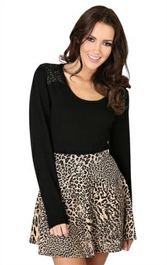 Cute outfit❤ would be cute with black gold studded ankle heels