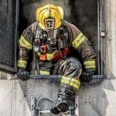 FEATURED POST  @southmetropio -  A South Metro Firefighter Recruit exits the second floor of the training building after performing VEIS. --- . ___Want to be featured? _____ Use #chiefmiller in your post ... http://ift.tt/2aftxS9 . . CHECK OUT! Facebook- chiefmiller1 Periscope -chief_miller Tumblr- chief-miller Twitter - chief_miller YouTube- chief miller . .  #firetruck #firedepartment #fireman #firefighters #ems #kcco #brotherhood #firefighting #paramedic #firehouse #rescue #firedept…