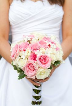 pink and white wedding boquet | St Louis Wedding Photographers and Videographers
