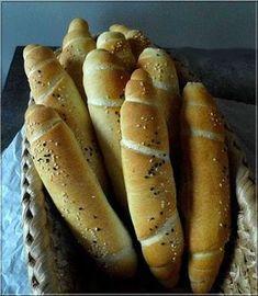Limara péksége: Uzsonna kifli Hungarian Cake, Hungarian Recipes, Hungarian Food, Bread Recipes, Cooking Recipes, Savory Pastry, Baking And Pastry, Hot Dog Buns, Hot Dogs