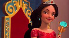 Elena de Avalor, primeira  princesa latina da Disney . Protagoniza série no Disney Channel .