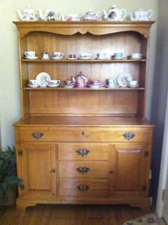Willett Furniture  Maple Lancaster County China Cabinet