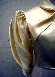 Pattu Saree Blouse Designs, Kurti Neck Designs, Sleeve Designs, Sleeves Designs For Dresses, Fancy Blouse Designs, Saree Wearing Styles, Baby Dress Design, Baby Frocks Designs, Fashion Illustration Dresses