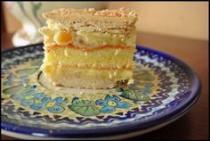 Ciasto wręcz anielskie... błogie! :D   Na tapetę dziś trafia przekładaniec o smaku mleczno-arachidowym z białą czekoladą.   Krem ...