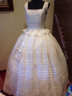 Enaguas de Laura Childrens Sewing Patterns, Hoop Skirt, Heirloom Sewing, Folk Costume, Plaid Dress, Hijab Fashion, Dress Patterns, Beautiful Outfits, Vintage Dresses