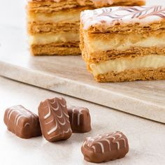 Lindt Petits Desserts Mille Feuille (wafer praline filling delicately covered with fine milk chocolate) #GiveLindt