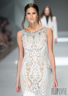 Michael Cinco Spring-summer 2015 - Ready-to-Wear - http://www.flip-zone.com/michael-cinco-5194