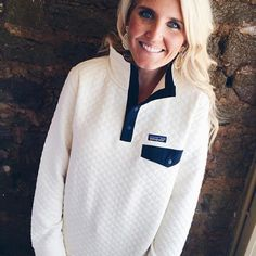 Loooove this sweater! ❤️Patagonia Women's Cotton Quilt Snap-T Pullover- Toasted White from Shop Southern Roots TX Fall Winter Outfits, Autumn Winter Fashion, Winter Clothes, Winter Style, Patagonia Pullover, Vogue, Chiffon, Look At You, Shopping
