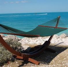 Caribbean Jumbo Hammock   Spreader Bar – Browse this page for a jumbo size hammock that feature a spreader bar and resist mold and mildew.