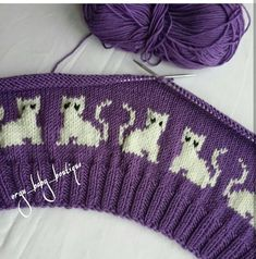 Knit A Purrrfect Cat-Tastic Hat … Free P Knitting - Diy Crafts - Marecipe Diy Crafts Knitting, Easy Knitting Patterns, Knitting Charts, Knitting Stitches, Free Knitting, Baby Knitting, Stitch Patterns, Knit Baby Sweaters, Knitted Baby Clothes