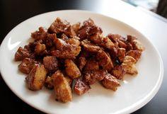 Pirított tofuszalonnakocka Tofu, Liquid Smoke, Facon, Kung Pao Chicken, Vegetarian Recipes, Cooking, Breakfast, Ethnic Recipes, Vegan Food