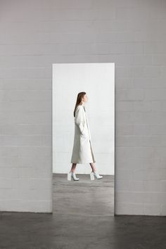 karlenciaga:  bienenkiste:  Ich ist ein Anderer -  Graduation Collection by Leonie Barth   white fashion