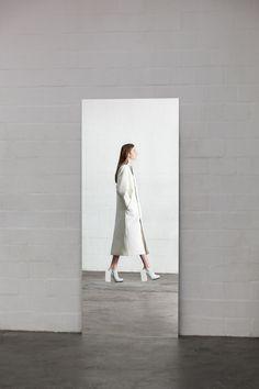 karlenciaga: bienenkiste: Ich ist ein Anderer - Graduation Collection by Leonie Barth white fashion