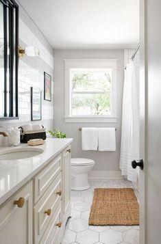 42 Super Creative DIY Bathroom Storage Projects to Organize Your Bathroom on a Budget - The Trending House Mold In Bathroom, Diy Bathroom, Bathroom Tile Designs, Large Bathrooms, Bathroom Flooring, Bathroom Storage, Bathroom Ideas, Bathroom Organization, Master Bathroom
