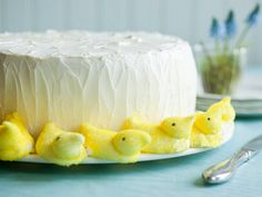 If you haven't got time to make a cake, just make a border for easter. Busy mom's shortcut - love it!